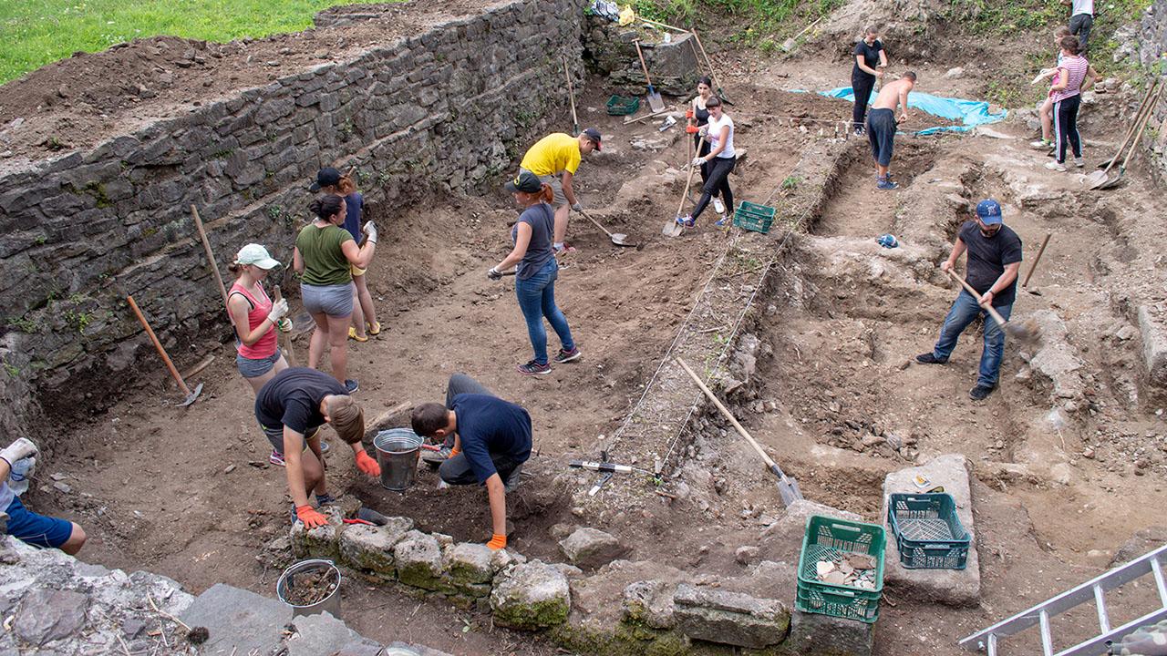Археологія (наука) — ВУЕ